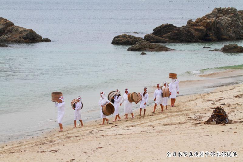 御座白浜の浜歩き~全日本写真連盟中部本部のご提供~